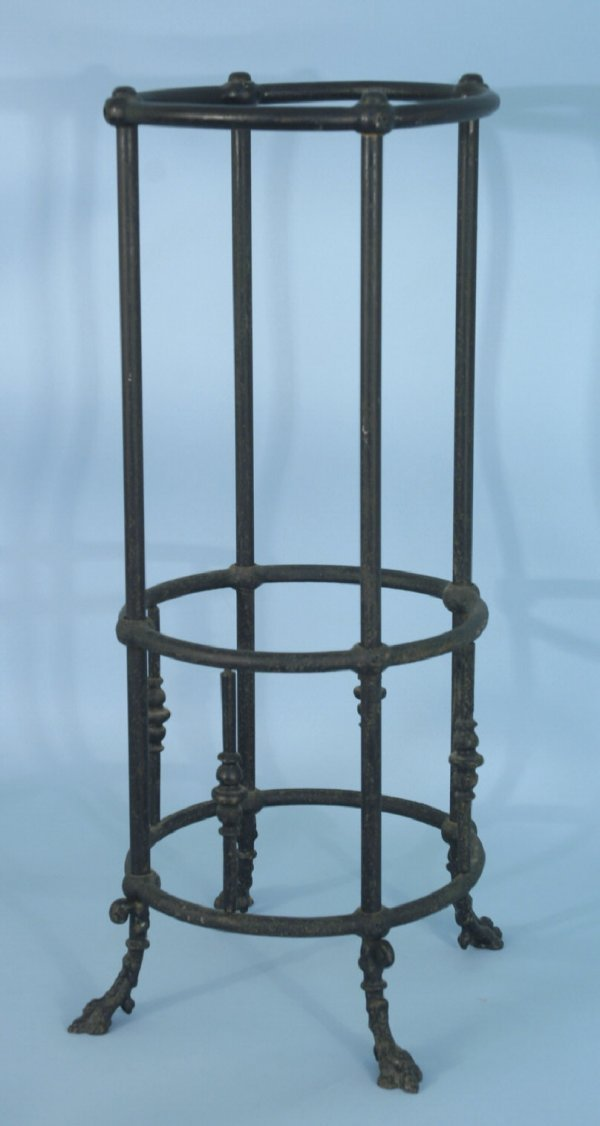 2012A: WROUGHT IRON UMBRELLA STAND