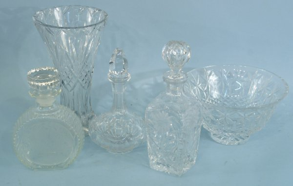 9: BOX LOT OF CUT GLASS PIECES