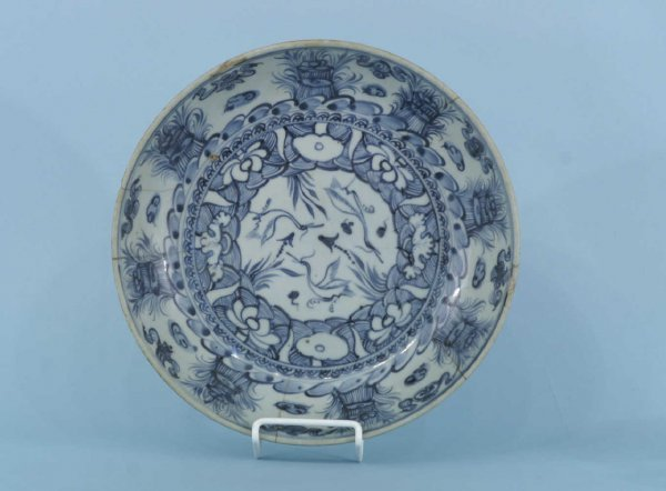 2065B: CHINESE MING BLUE AND WHITE BOWL