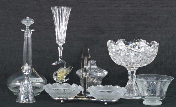 2007: BOX LOT OF GLASSWARE