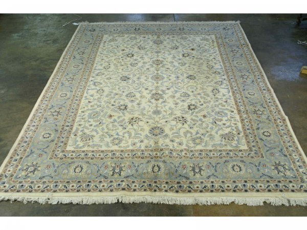 3044: HANDWOVEN KASHAN RUG FROM INDIA