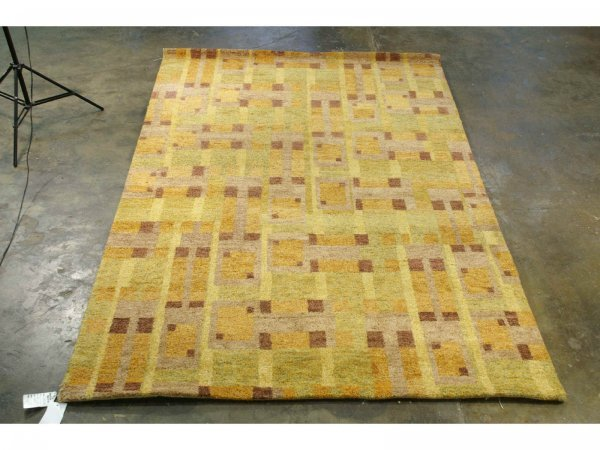 3022: HANDWOVEN GABBEH RUG FROM INDIA