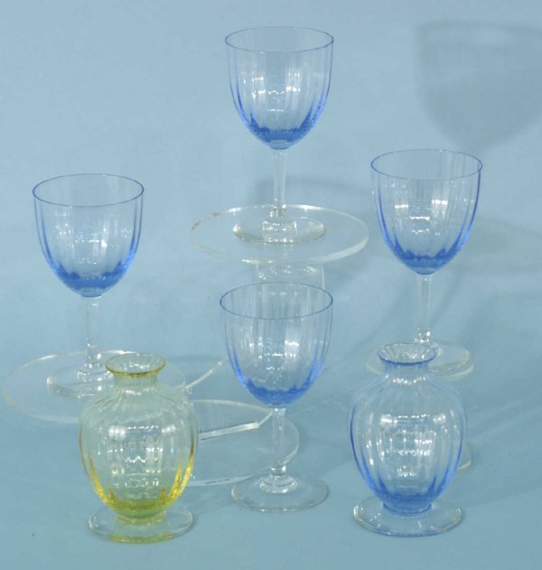 1A: 4 BACCARAT BLUE WINE GLASSES AND 2 BUD VASES