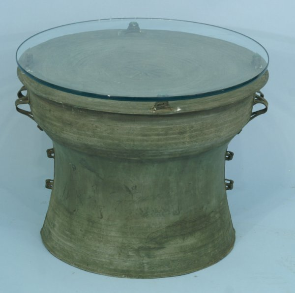 21: A CHINESE CAST BRONZE TABLE BASE WITH GLASS TOP