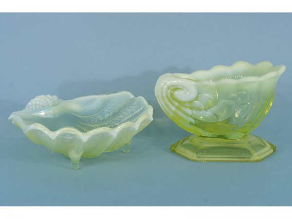 1004: TWO PIECES OF VASELINE GLASS