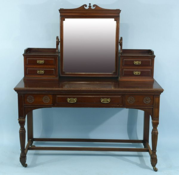 1008: A VICTORIAN STYLE VANITY
