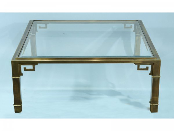 118: BRASS COFFEE TABLE WITH A GLASS TOP