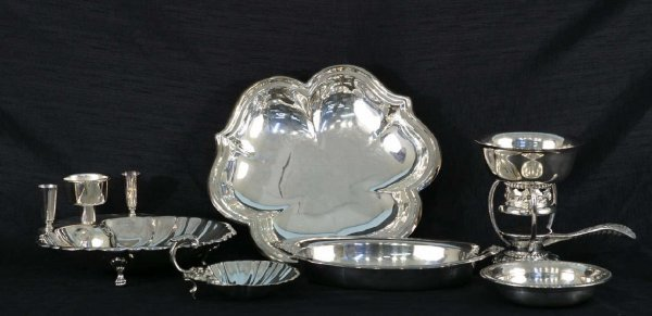 1003: BOX LOT OF 7 SILVERPLATE PIECES