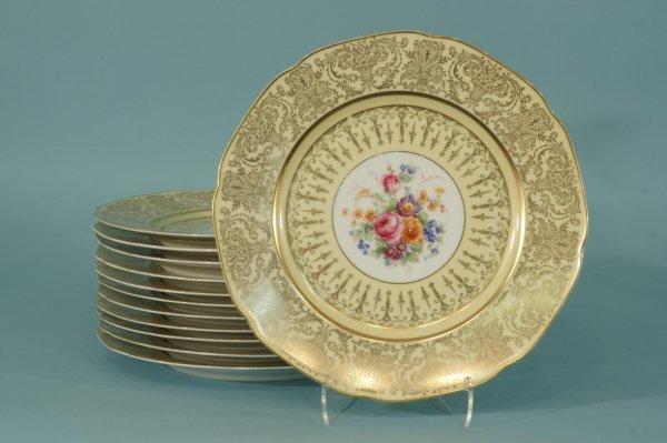 1026: SET OF 12 PORCELAIN PLATES BY BAVARIA TIRSCHENREU