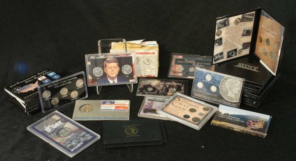 2014: COLLECTORS BOX SET OF COINS
