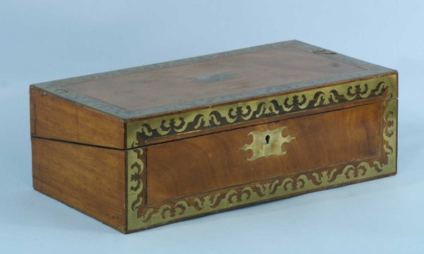 18: 19th CENTURY ENGLISH MAHOGANY WRITING BOX W/INLAY