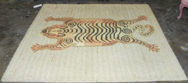 1010B: HAND-WOVEN LARGE LOOP RUG WITH TIGER DESIGN