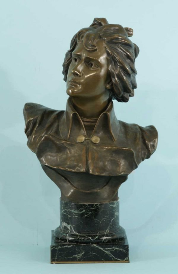164A: BRONZE BUST ON A MARBLE BASE