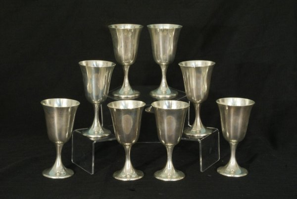 1009: EIGHT GORHAM STERLING SILVER GOBLETS