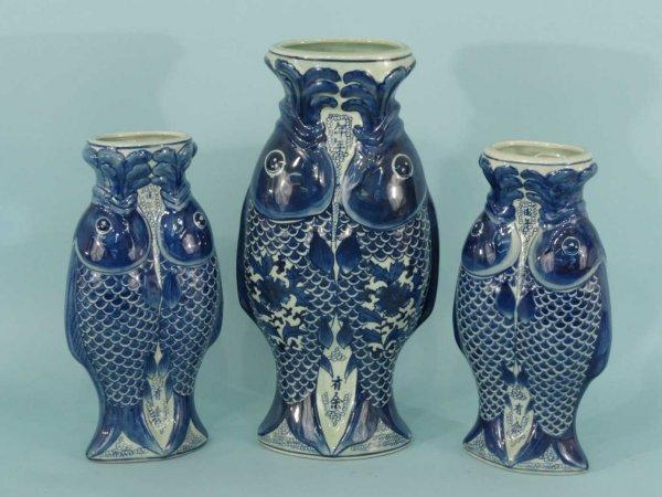 17: THREE ANTIQUE PORCELAIN FISH VASES IN BLUE & WHITE
