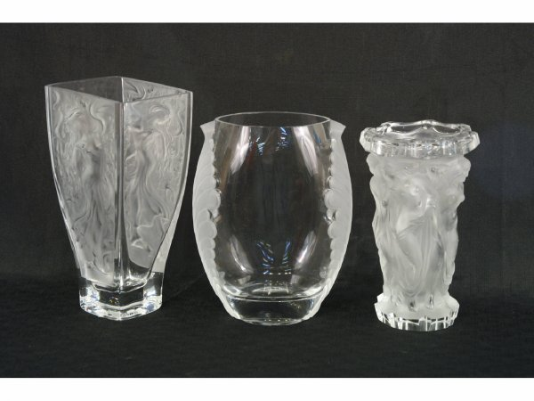 21: GROUP OF FOUR LALIQUE STYLE FROSTED GLASS VASES