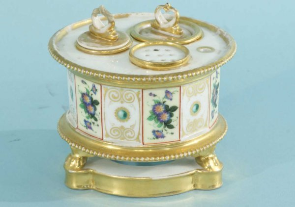 17: 19th CENTURY PORCELAIN INKWELL