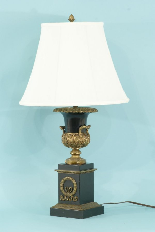 5: NEOCLASSICAL STYLE LAMP