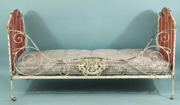 44: ANTIQUE FRENCH WROUGHT IRON CAMPAIGN DAY BED