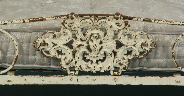 44: ANTIQUE FRENCH WROUGHT IRON CAMPAIGN DAY BED - 3