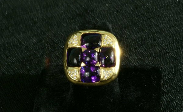 3B: AMETHYST RING IN YELLOW GOLD