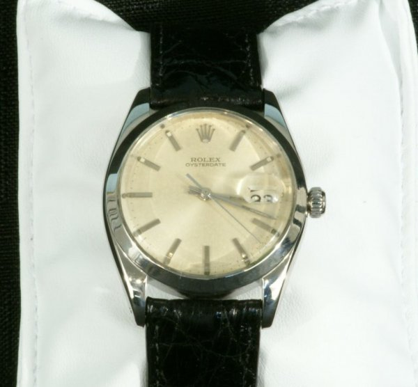 3C: GENTLEMEN'S ROLEX WATCH W/DATE IN STAINLESS STEEL