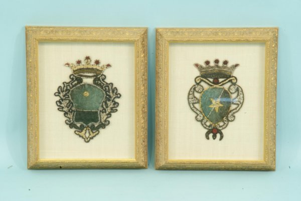 20: PAIR OF GILT FRAMED & MATTED ANTIQUE FAMILY CREST
