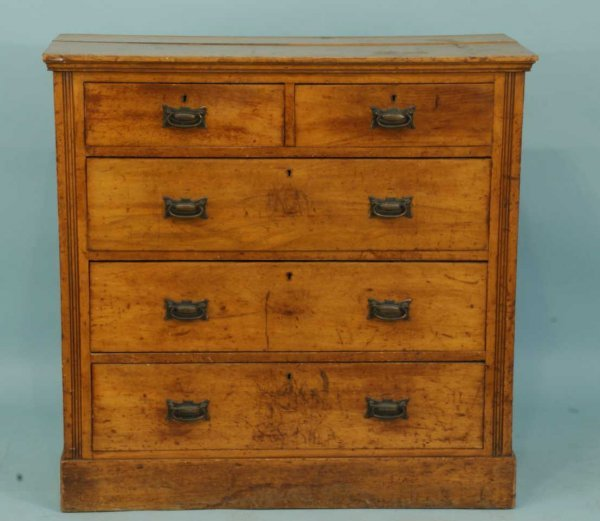 15: EARLY AMERICAN MAPLE CHEST OF DRAWERS, CIRCA 1850