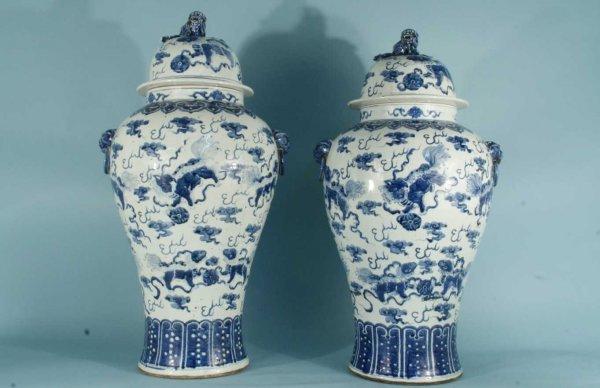 18: MONUMENTAL CHINESE BLUE & WHITE LIDDED URNS