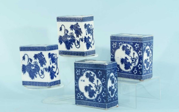 15: ANTIQUE CHINESE BLUE & WHITE PORCELAIN VESSELS
