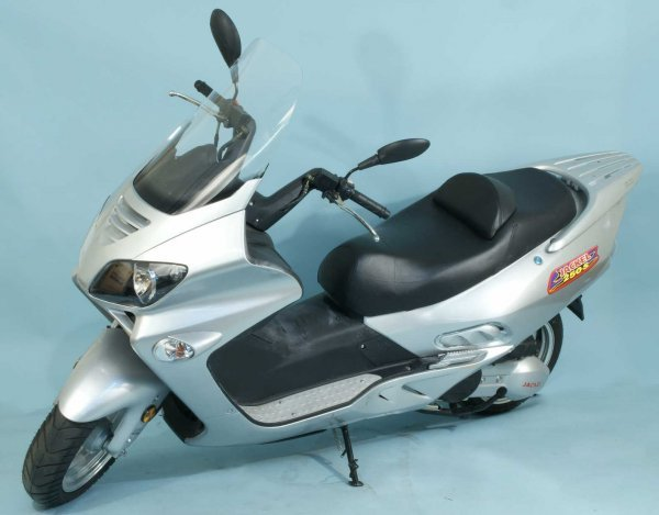 8: JACKEL 250 S MOTORIZED SCOOTER