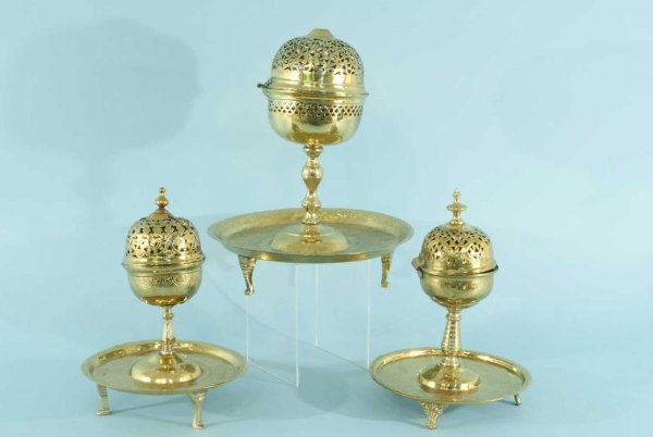 11: LOT OF THREE VINTAGE BRASS INCENSE BURNERS