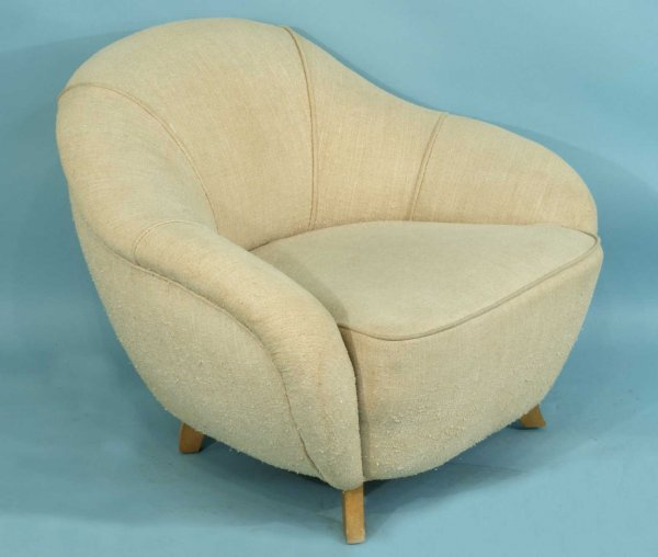 23: HERMAN MILLER ARMCHAIR DESIGNED BY GILBERT ROHDE