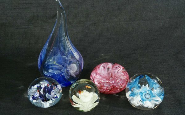 12: LOT OF FIVE ART GLASS PAPERWEIGHTS