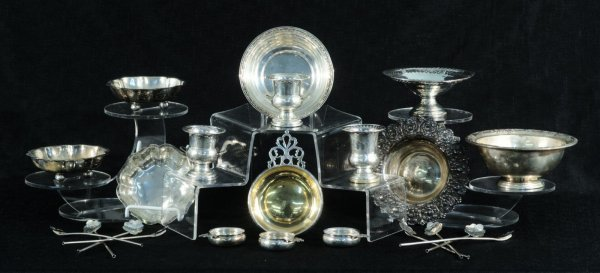 3: LOT OF TWENTY-TWO STERLING SILVER PIECES