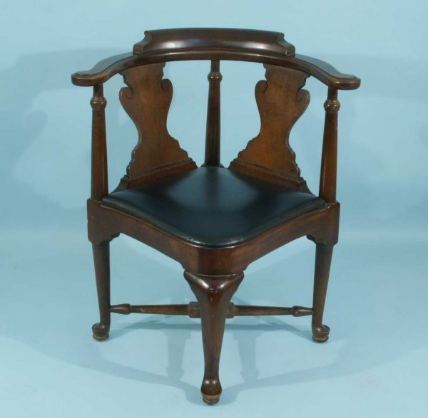 9: CHIPPENDALE STYLE MAHOGANY & LEATHER CORNER CHAIR