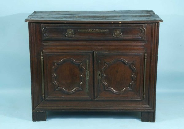 17: ANTIQUE FRENCH WALNUT CABINET, CIRCA 1680's