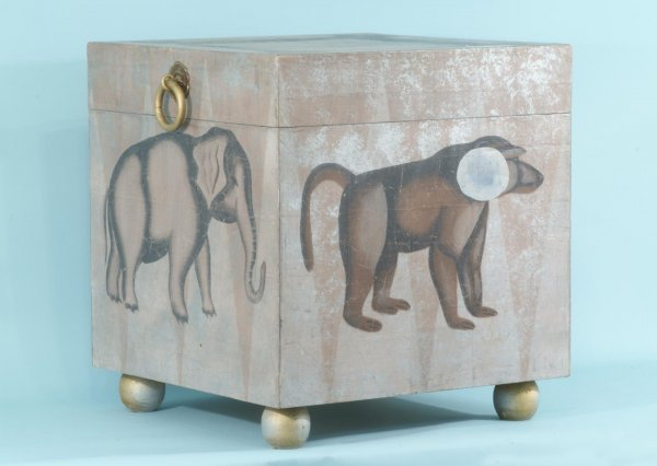 9: PAINTED TRUNK/END TABLE WITH ANIMAL MOTIF