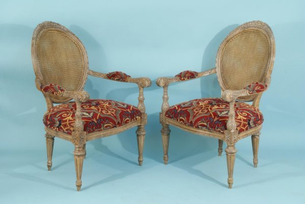 18: COUNTRY FRENCH STYLE ARMCHAIRS WITH CANE BACKS