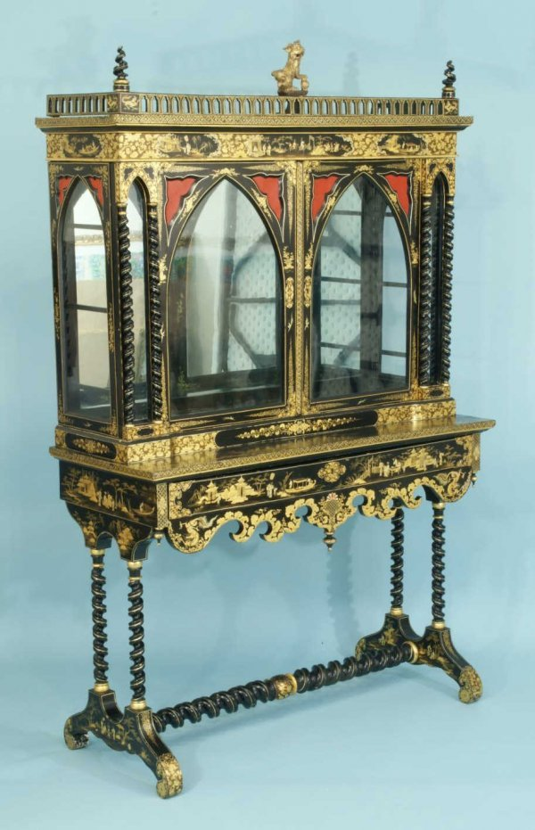 18: GILDED LACQUER DESK WITH GLASS CABINET, CIRCA 1780