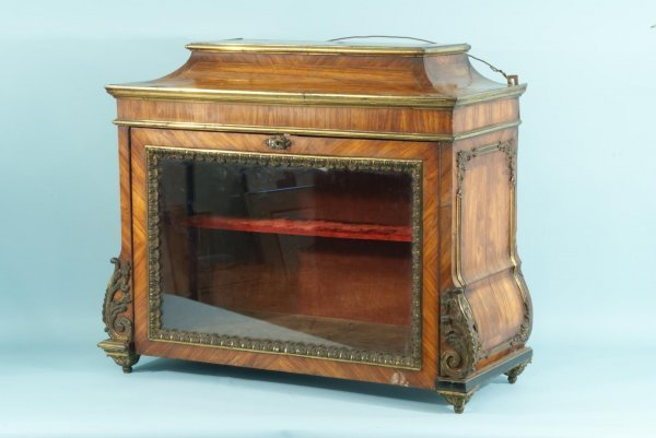 22: FRENCH BURLED WOOD DISPLAY CASE, CIRCA 1750