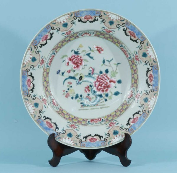 23: LARGE ANTIQUE CHINESE ROSE FAMILLE CHARGER