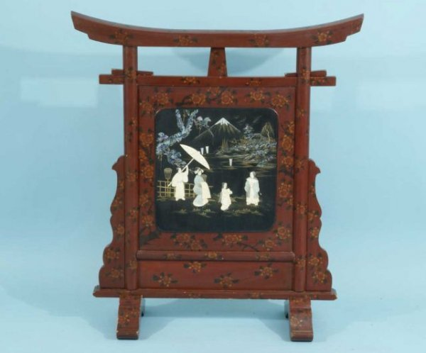 17: ANTIQUE CHINESE FIRE SCREEN WITH MOTHER-OF-PEARL