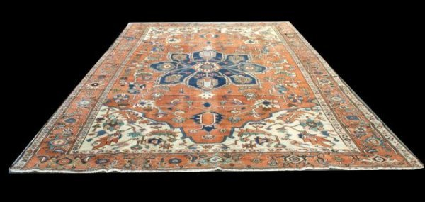 45A: ANTIQUE SERAPI PERSIAN RUG.