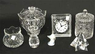MIXED LOT OF SEVEN DECORATIVE CRYSTAL PIECES