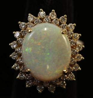 14kt YG OVAL WHITE OPAL DIAMOND ESTATE RING