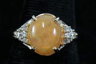14kt YELLOW GOLD DIAMOND & OPAL RING