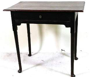 18th CENTURY PERIOD QUEEN ANNE SIDE TABLE