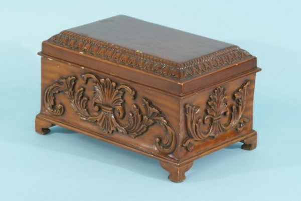 1: WOOD CARVED HUMIDOR