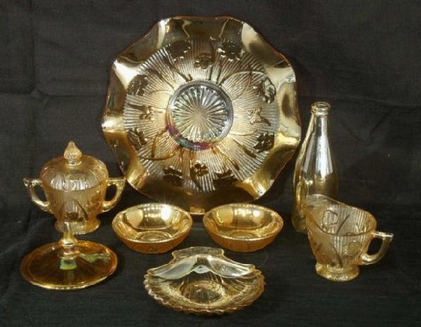 2: BOX LOT OF ASSORTED VINTAGE CARNIVAL GLASSWARE